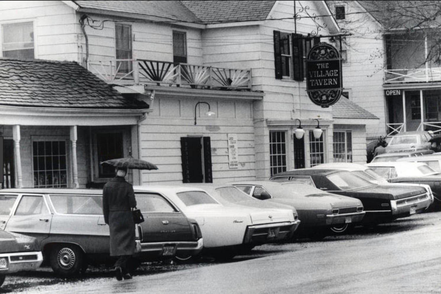 Long Grove Village Tavern