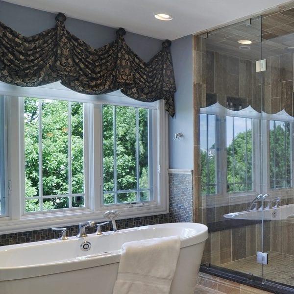 Master Tub & Shower