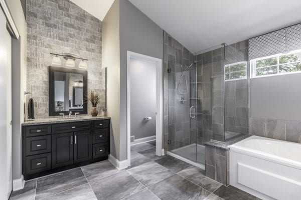 Elegant Master Bathroom Design Mundelein